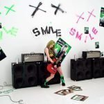 Avril Lavigne – Smile (Official Video)
